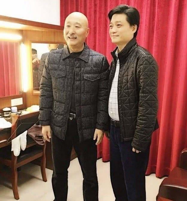 陈佩斯录视频亮相,64岁的他连胡子都白了,崔哥留言喊他兄弟