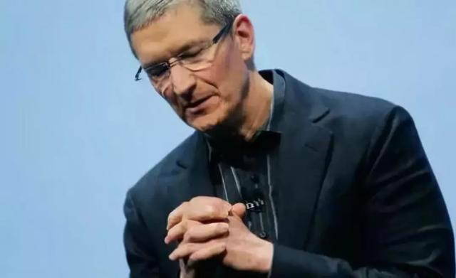 苹果一夜蒸发5000亿,美国人最担心的事情来了!
