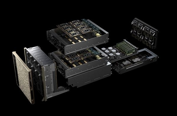 内部结构 另外,新系统处理器升级为 两颗24核心的Xeon Platinum 8174 (不在官方公开型号之列或为定制版),网络从双路25GbE升级为双路100GbE,内存还是最大1.5TB DDR4,存储30-60TB NVMe。 整机功耗从10千瓦增至12千瓦 ,而且重量增加了20磅(约9千克),很可能是换了新的散热系统。价格没说,但 必然高于上代的39.