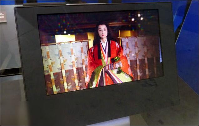 未来 MBP 绝配?全新 13.3 寸 8K OLED 面板研发成功