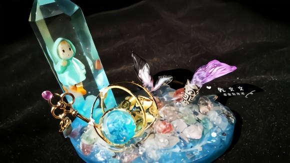 做一個精致的豬豬女孩當然得擁有這個水晶桌擺啊!diy滴膠教程圖片