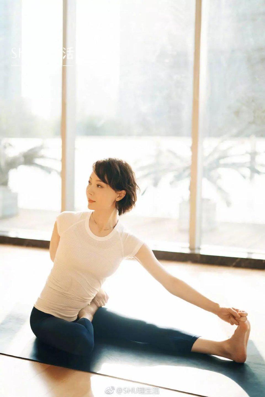 41岁陈数视频网友,女人:这是告白最高级的肚脐眼女人瑜伽扣播放图片