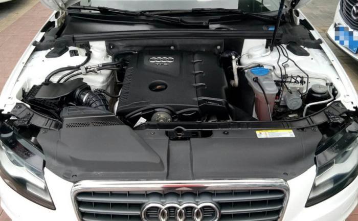 同用EA888发动机,为何迈腾与A4L价差那么多?跑趟高速就懂了