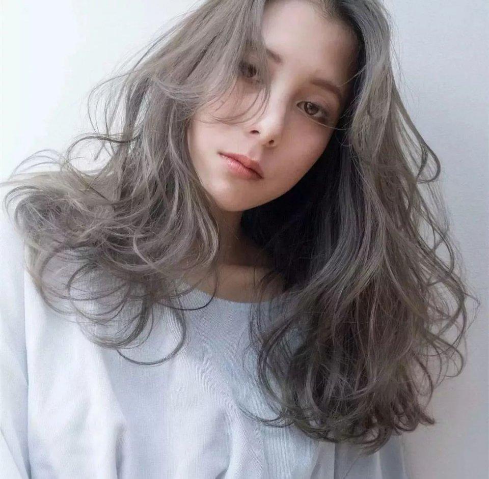也很适合头发少的妹子,二八分刘海完美修饰脸型.图片