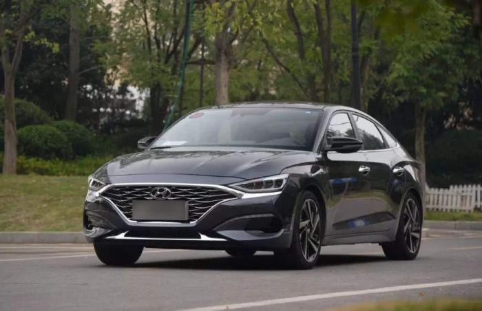 小排量涡轮车的驾驶感受如何?高速上飙到120,车主:像开拖拉机