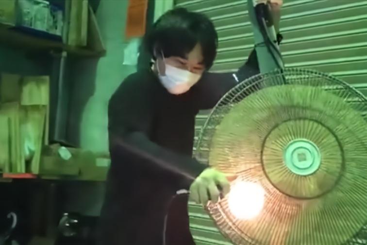日本乐团爆改电风扇成贝斯 网友:声音真的好听得我五体投地