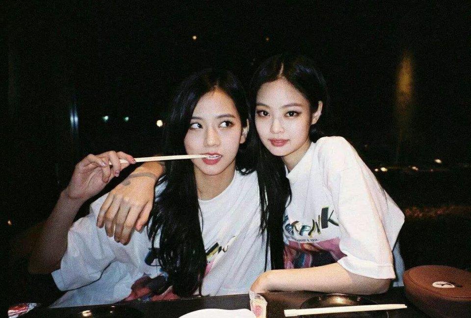 """水蜜桃女孩过气了,Lisa和辛芷蕾的""""猫系妆""""才是南韩女团主流"""