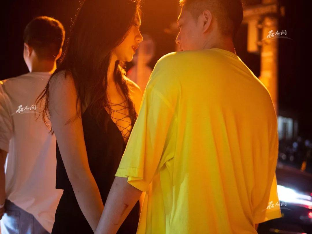 惊艳!上海街头灵魂摄影师:勤劳de小懒熊