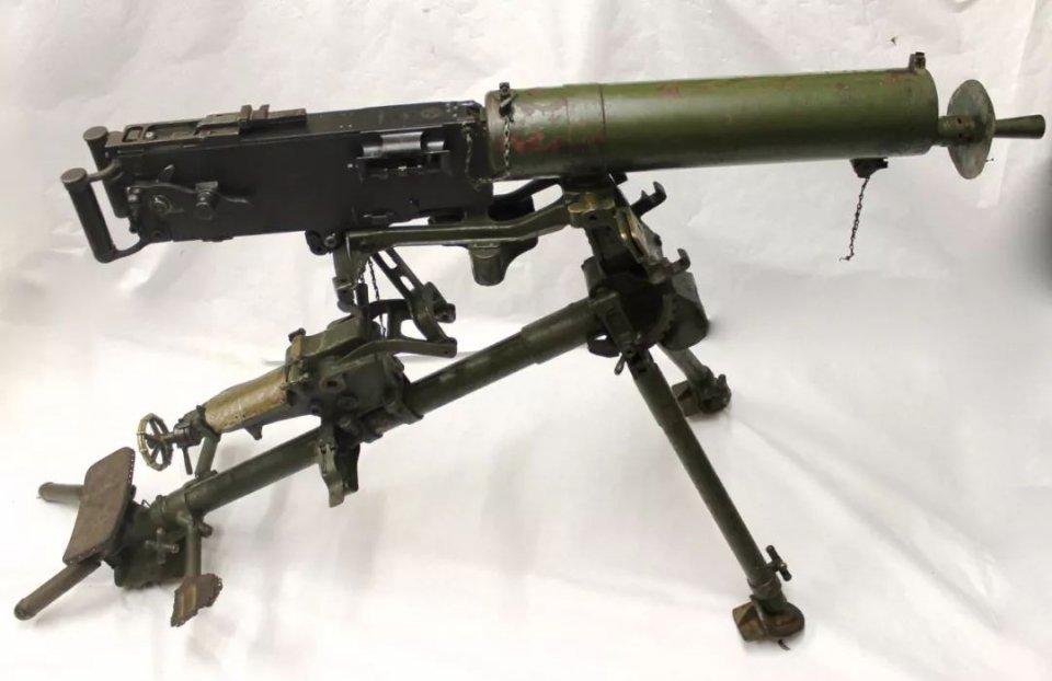 俄国AN94步枪精度超群?两弹一孔?扯淡!