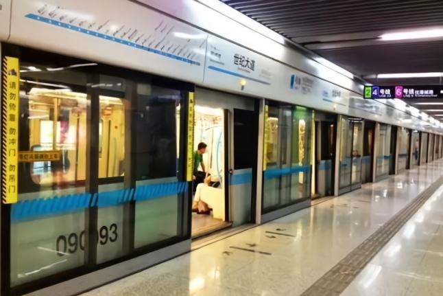 日本地铁_英国人评价中日英三国地铁:本国设备落后,日本安静,中国最先进