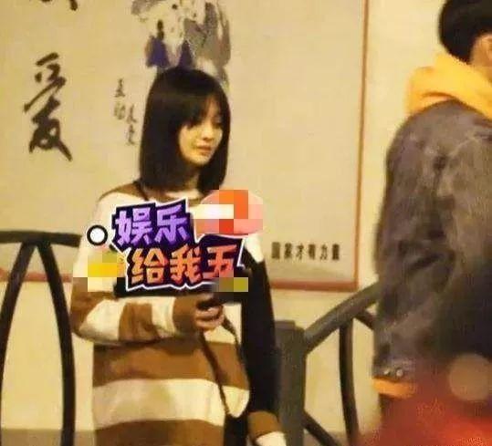 郑爽回应粉丝不满她和现任秀恩爱…但没想到爽妹子选择正面直刚