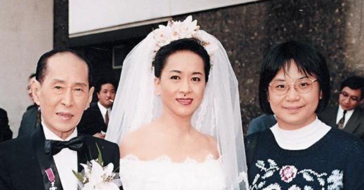 """73岁""""祥嫂""""辞世:为争4亿遗产与儿女撕破脸,生前曾追悔莫及"""