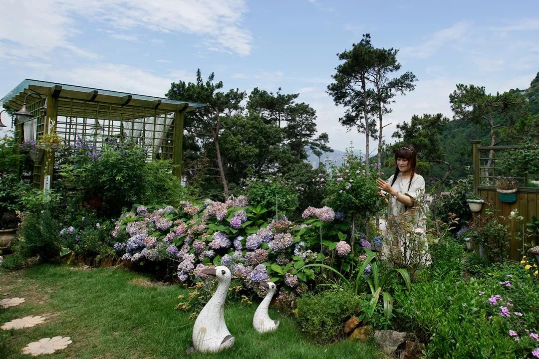 在荒山造1500�O花园,300万完成自己的花园梦