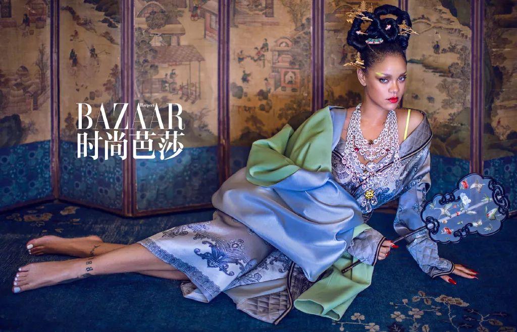 Rihanna《时尚芭莎》封面引来种族歧视争议,简直就是莫须有!
