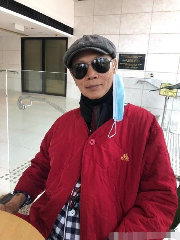 72岁罗家英自曝患前列腺癌,手术后消瘦患失禁后遗症