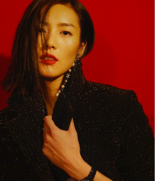 中国模特之光!31岁刘雯入选2010S超模,名单中唯一亚洲面