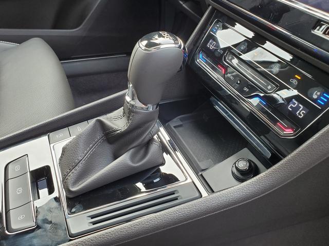 """""""换壳""""帕萨特迎改款,动力升级,标配LED灯组,车内""""三块屏"""""""