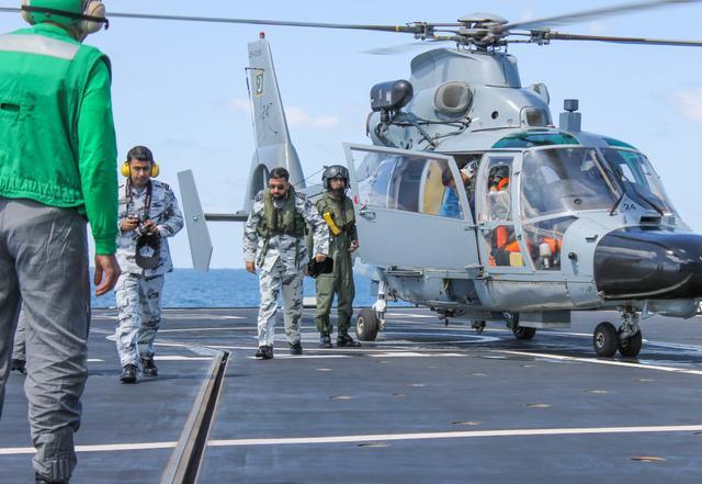 巴铁军方二号紧急访华,波斯湾迎来大国舰队,美英如意算盘落空