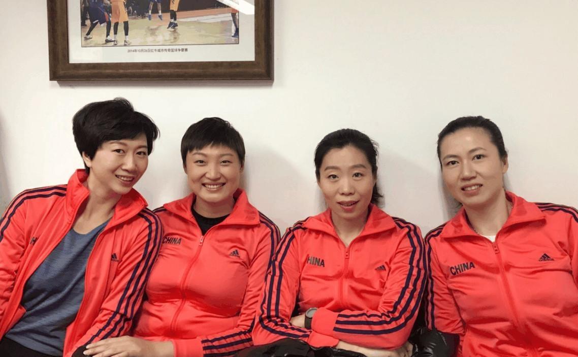 郎平后繼有人!38歲女排奧運冠軍戰國內賽,和球員時期幾無變化