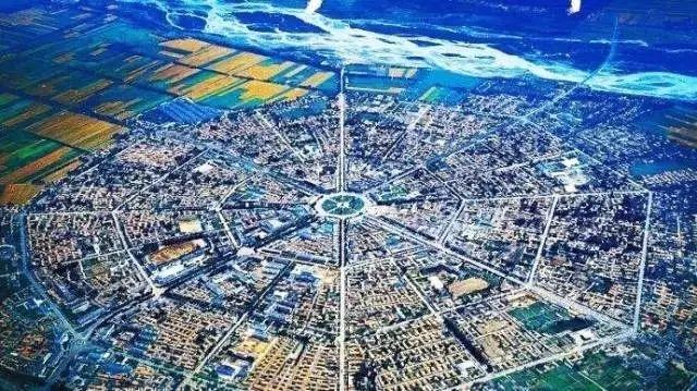 邱宗浚 丘处机设计的八卦城:至今都不用红绿灯 冬天美得太梦幻…