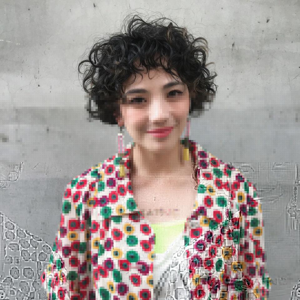 2019流行的短发这样烫,年轻时尚有朝气图片