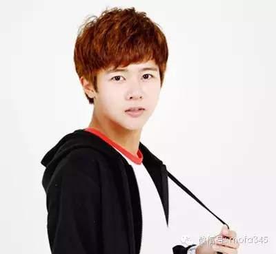 韩式男生短发齐刘海发型非常有型有范的帅气发型!