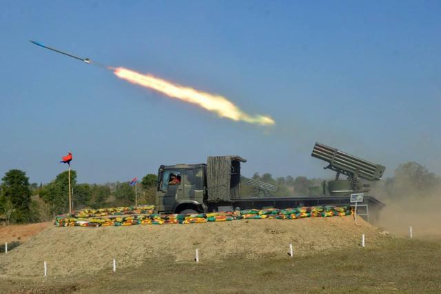 缅甸军演打开,中国造战机坦克实力抢镜