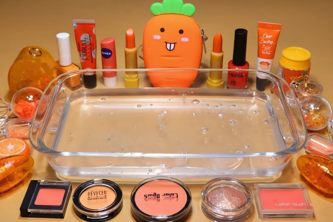 把橘色系列的化妝品混在無硼砂水晶泥里,減壓好玩,手工diy圖片