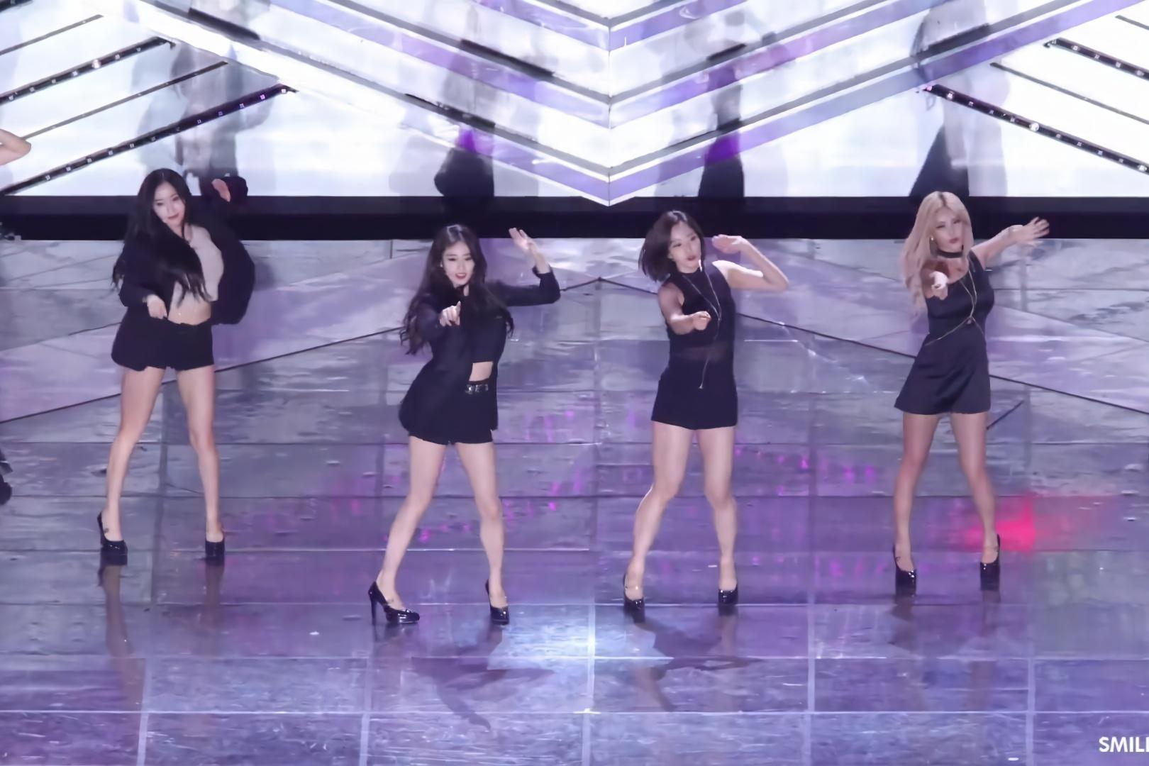 韩国女团.电影热舞-超短裤凸显大长腿-好美啊性感巨性感乳的图片