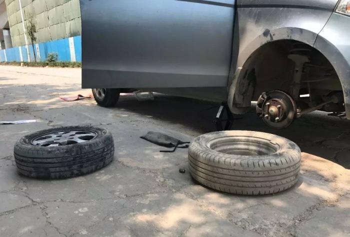 """被称""""轮胎克星""""的4样东西,不少司机往上压,维修工:迟早爆胎"""