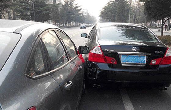 追尾都是后车的责任?这四种情况反而是前车担责!