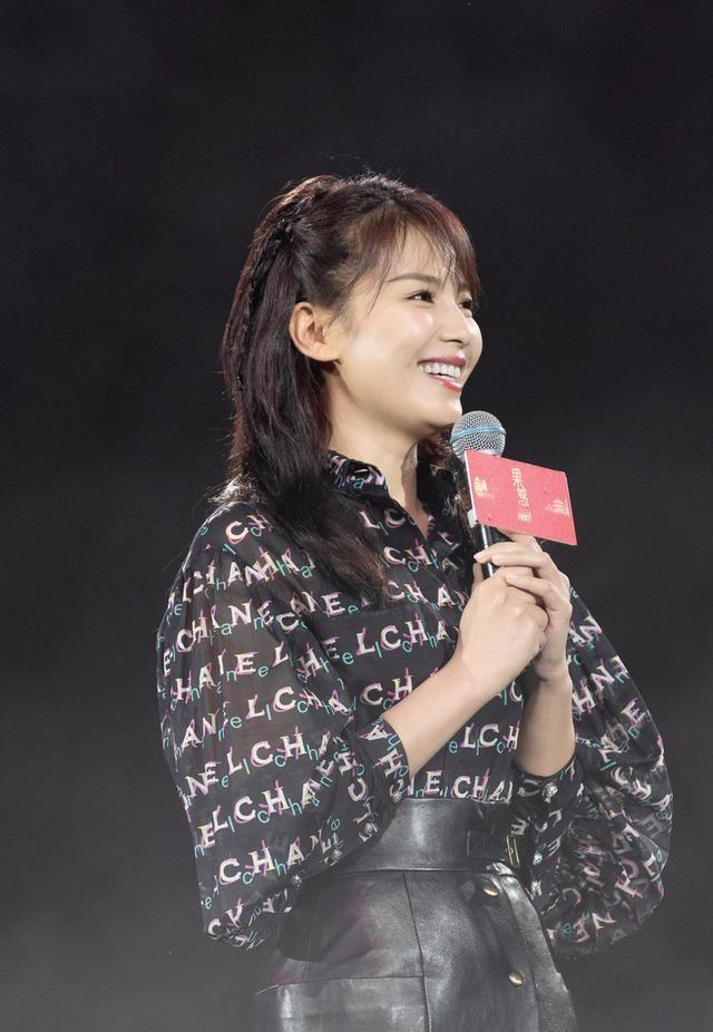 40岁刘涛大胆梳萝莉头,还真把自己当年轻人了?