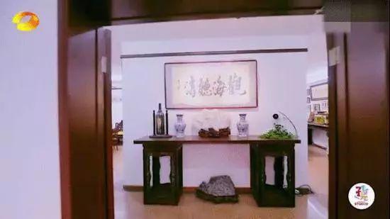 赵忠祥豪宅曝光:摆满古董字画鱼池堪比小型游泳池