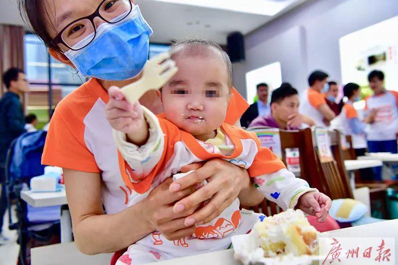 一岁多宝宝肝硬化,妈妈欲捐肝救女却遭外婆阻拦……