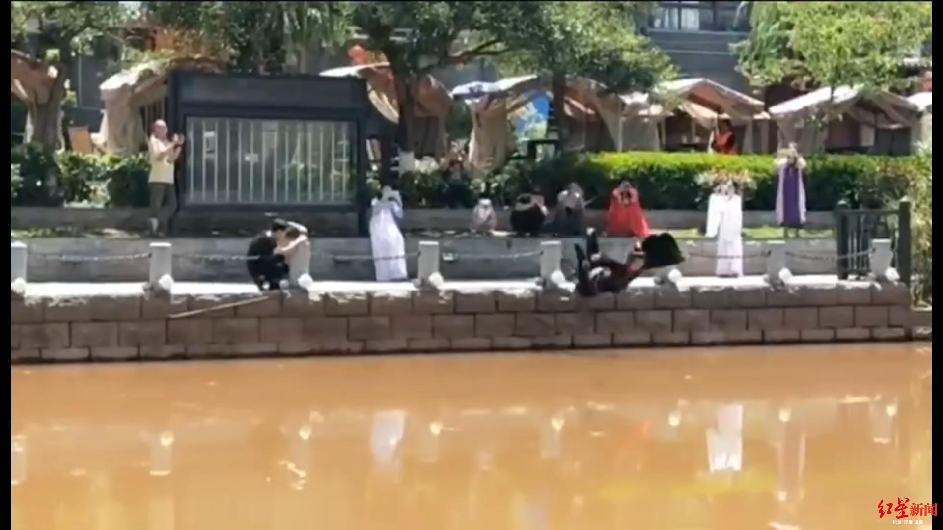 西昌男子回应模仿屈原投江:已跳了三年,_明年还会跳!