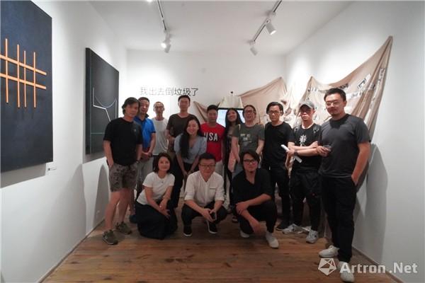 """亨曼画廊呈现""""战争与和平""""唐明伟、朱骥翔双人艺术项目"""
