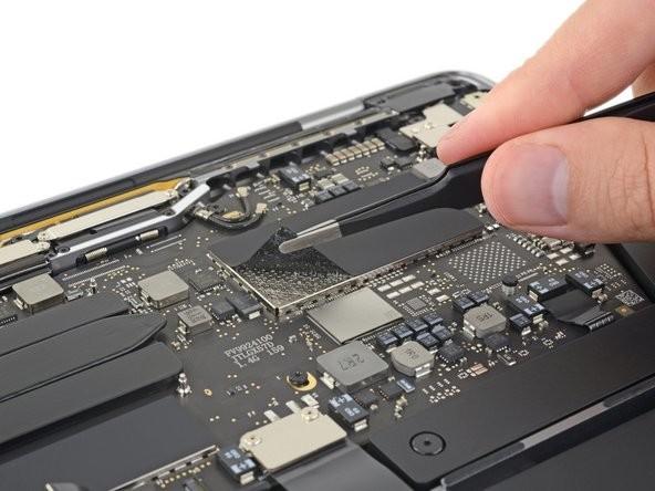 全新13英寸MacBook Pro拆解实测 电池更大升级更难插图(1)