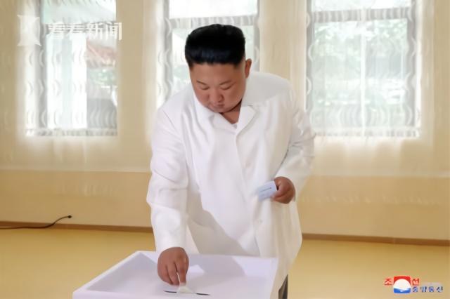 隔13天金正恩公開露面 一襲白衣出席活動