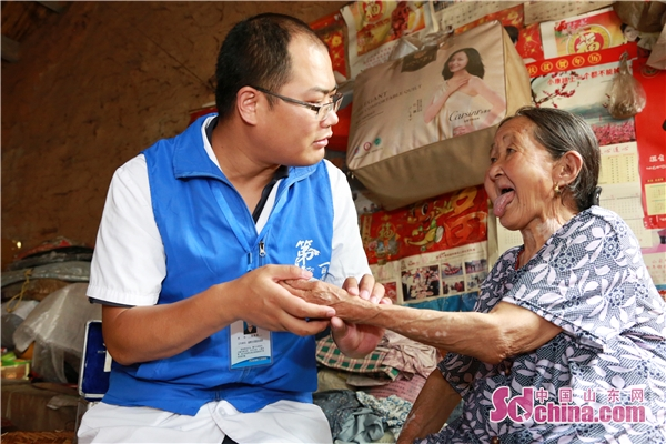 """永不停歇的脚步——记淄博市中西医结合医院""""第一村医""""张聿涛"""