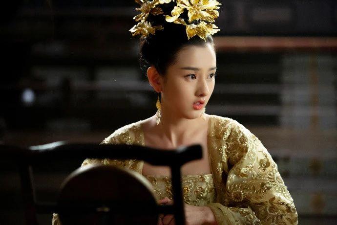 挑战前辈王祖贤,郑爽终于认清自己美貌,作品垫底只因1原因