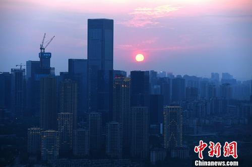 资料图为重庆高楼