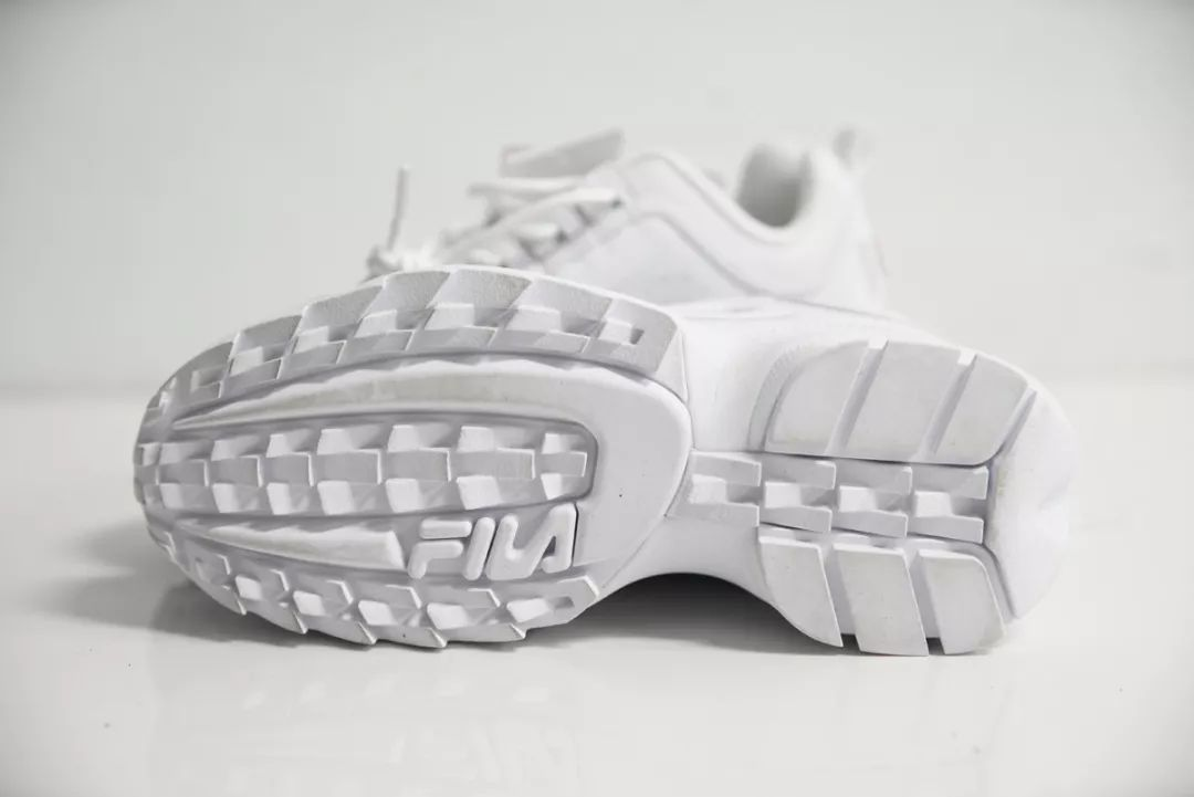 """测评 学生党爱NIKE穿的球鞋里Nike竟败给了""""全员爆富""""?!"""