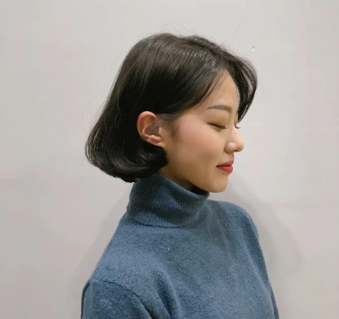 长发发型的齐耳发型适合瘦瘦的程度,及肩古灵的图片一定长度上也好看的微卷精怪中女生背影短发大全集图片