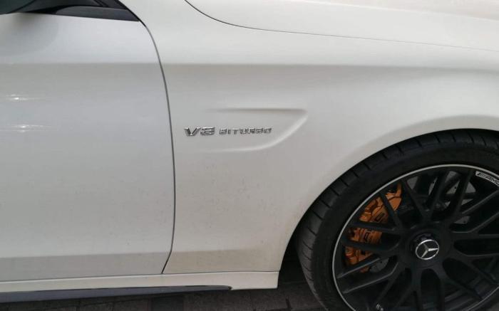 都夸白色车身好,为何老司机却不爱买白车了?原因只有内行人才懂