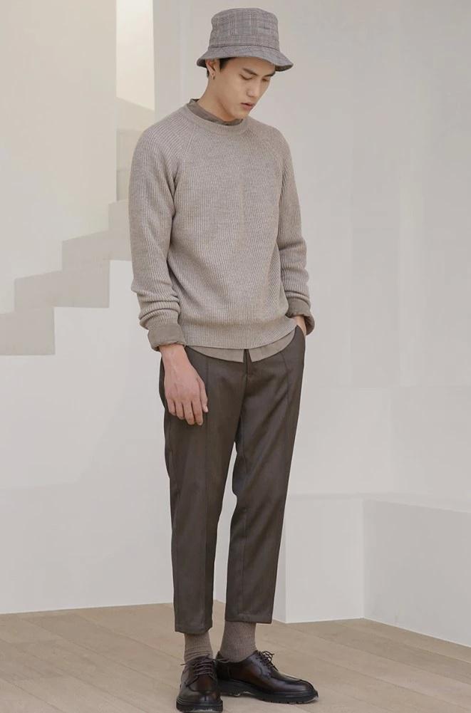 男生也要很精致,款款穿搭都非常简约帅气,这样穿搭才够高格调!
