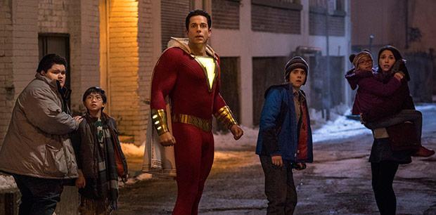 《雷霆沙赞!》少年英雄对抗邪恶 成长中感悟家庭与爱