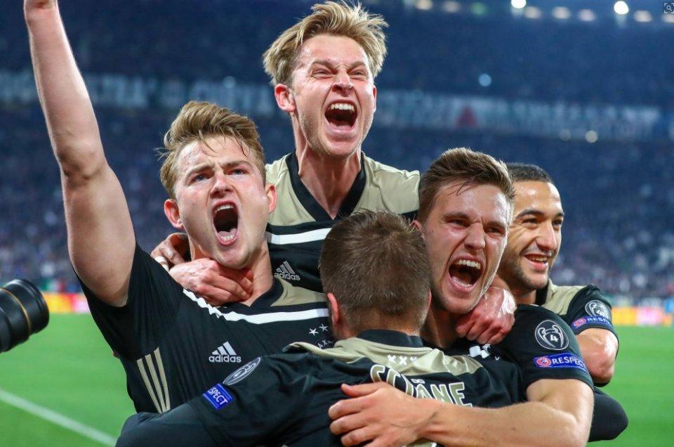 欧冠:梅西2球巴萨大胜曼联晋级 尤文爆冷遭逆转出局