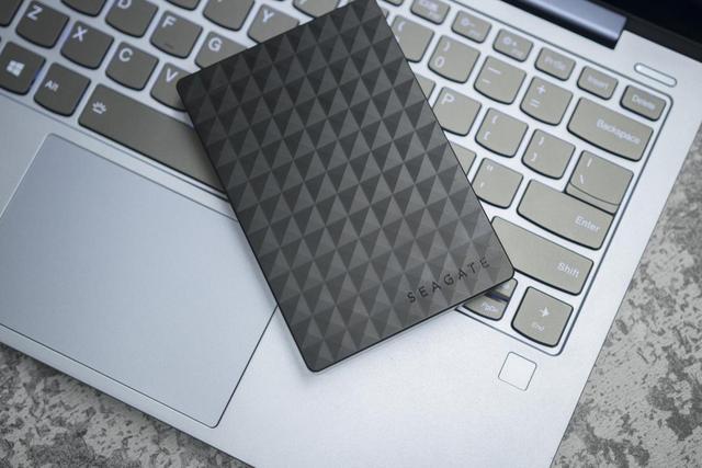 商务功能全面,希捷睿翼移动硬盘评测