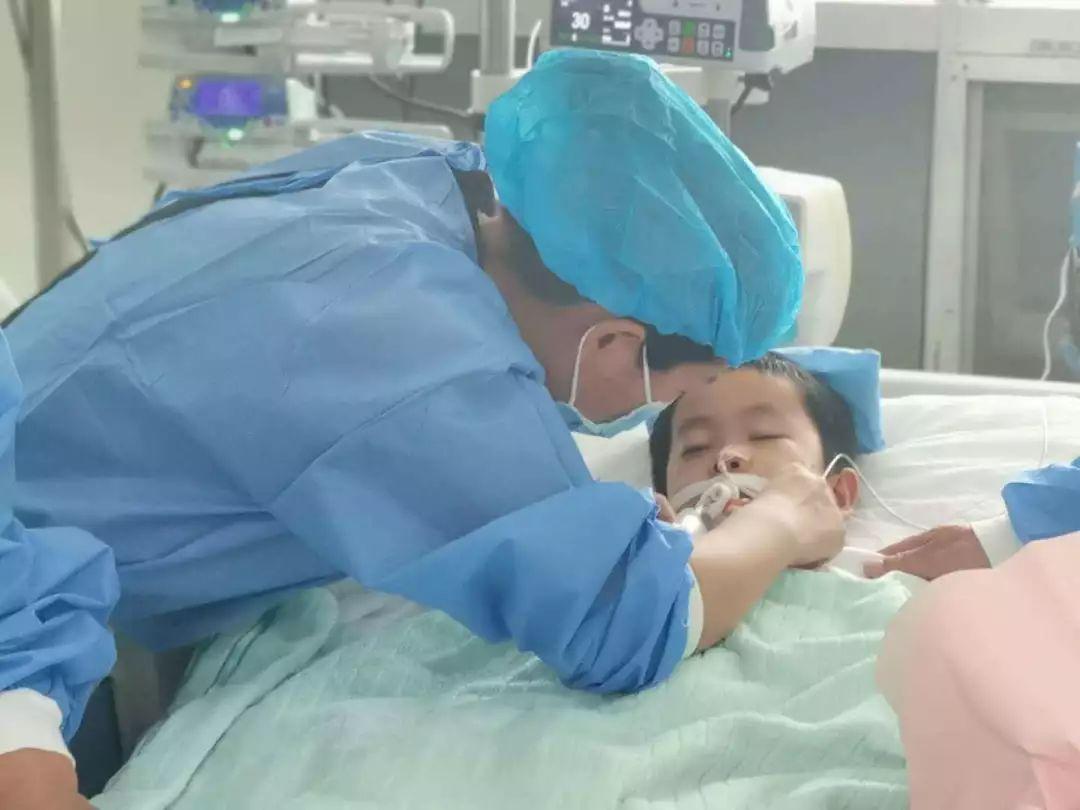 泪目!7岁男孩因病去世,捐出器官挽救5个家庭
