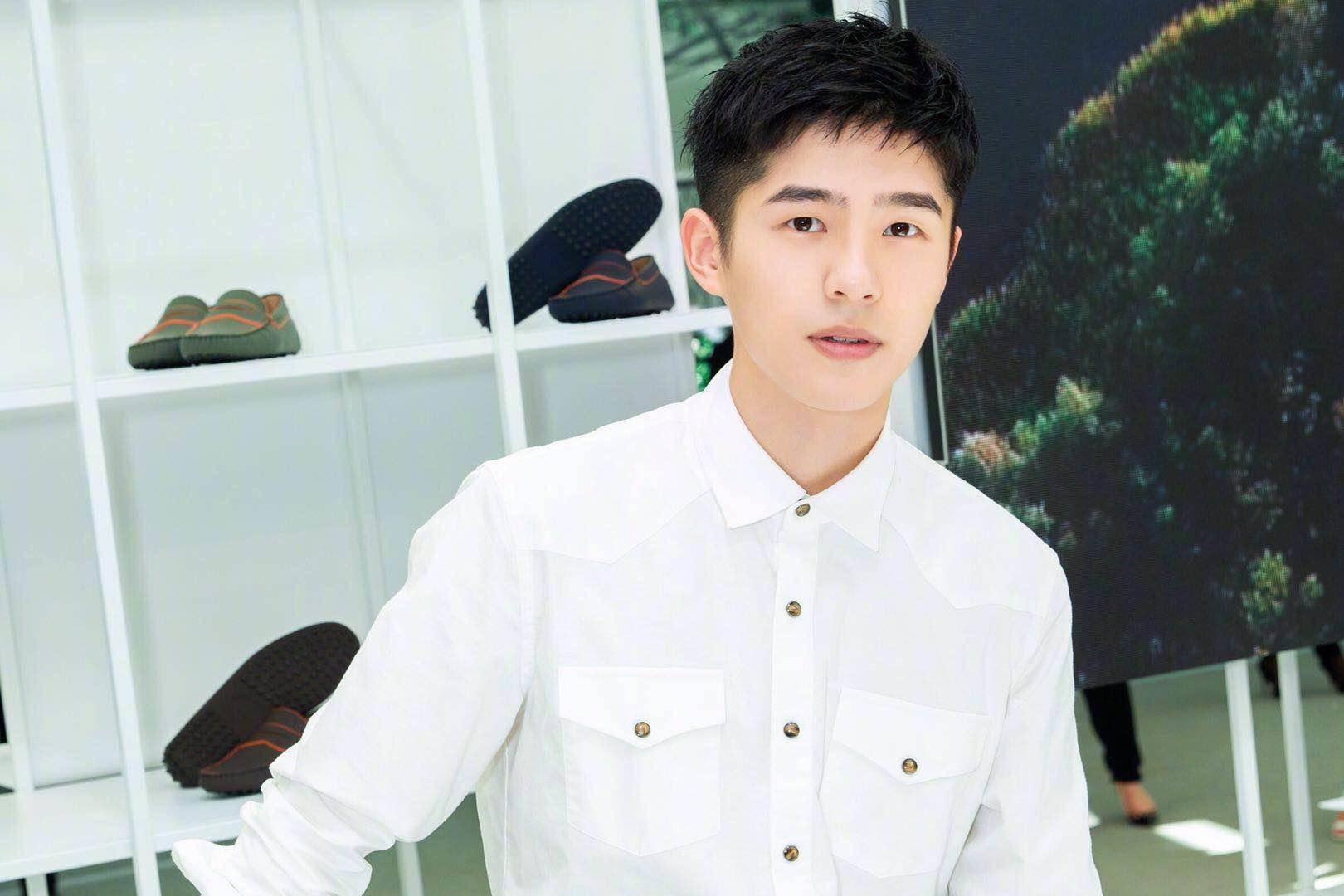 同是 90后,刘昊然著作持续受五星好评,吴磊却褒贬各半,仅因这个方面